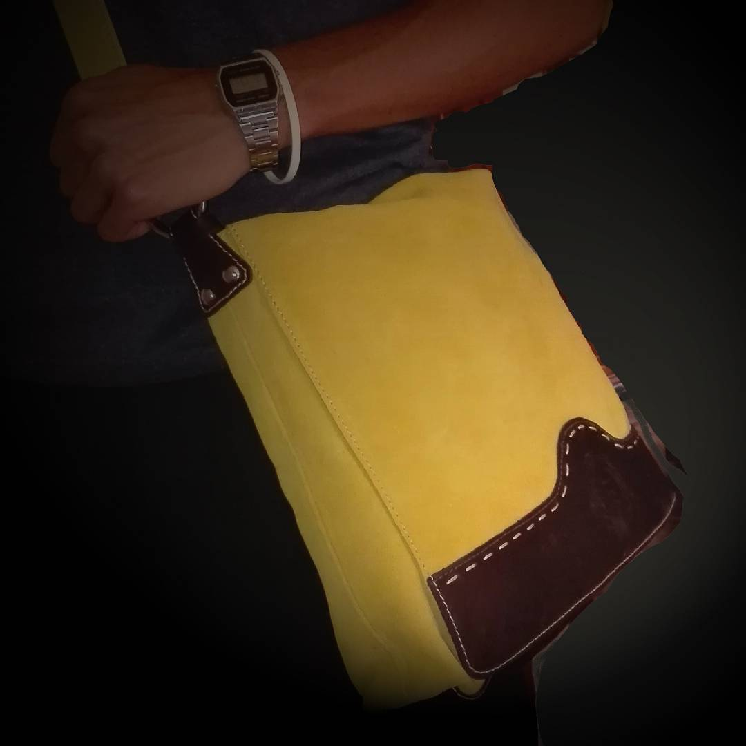 New cartella postman. #suedebag #leatherbag #yellow #madeinitaly